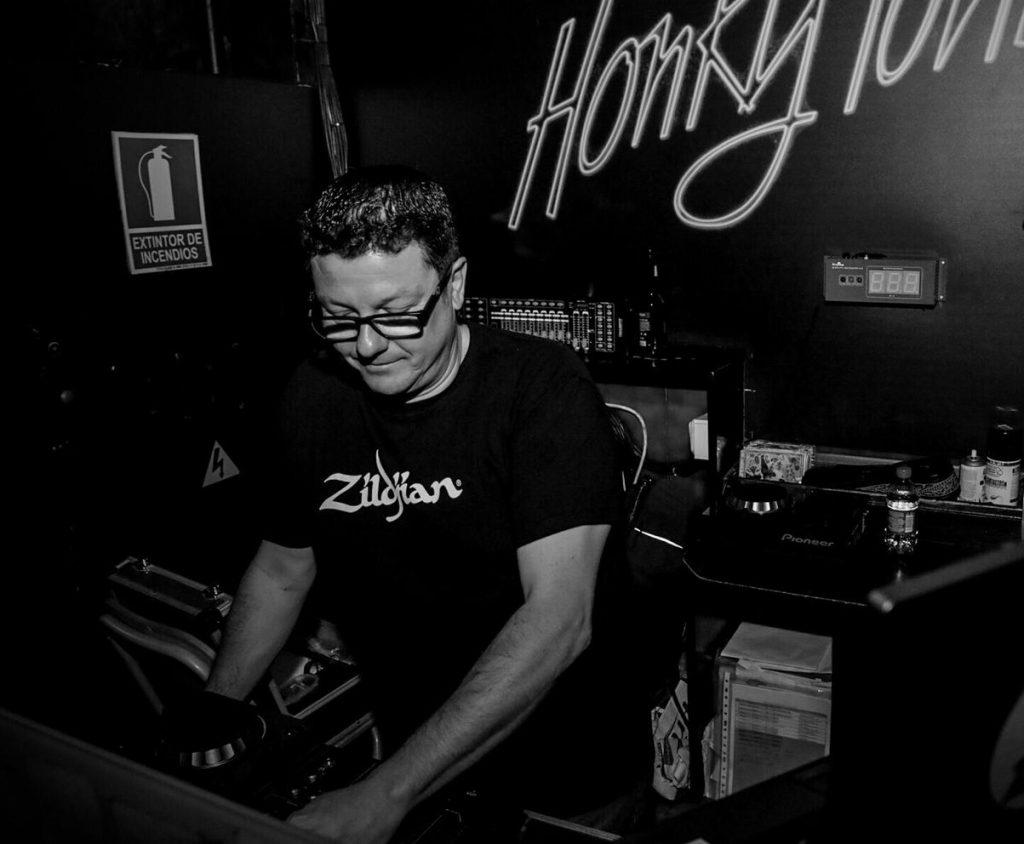 AR DJ